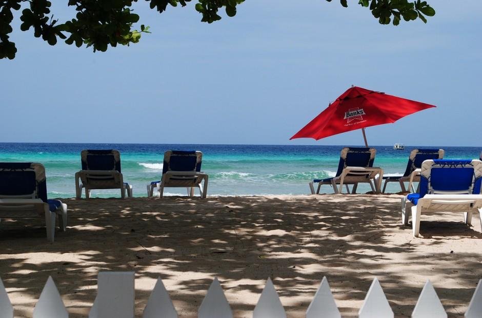 """""""Dan maar liever nog iets verder waar het gratis is"""": de psychologie van het strand"""