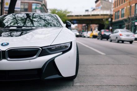 De elektrische auto voor intelligente mannen: psychologisch slimme marketing